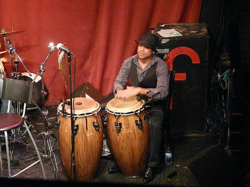 Yarien Oviedo on congas